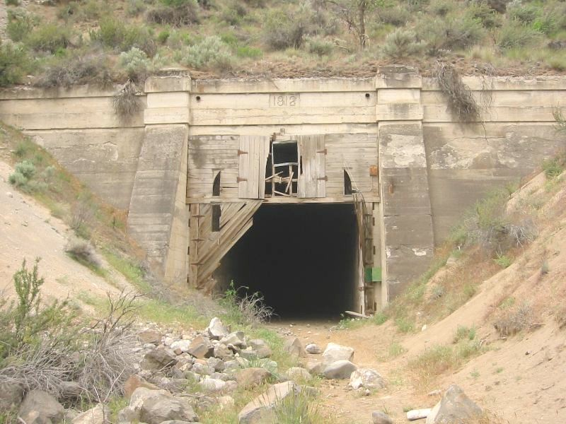 railroadtunnel.jpg